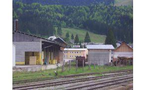 LIP Bohinj stoji tik ob železniških tirih. Foto: Petra Lotrič Ogrin