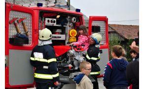 Vajo evakuacije smo izvedli ob pomoči gasilcev.