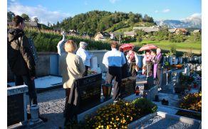 Slovesnost ob nagrobniku g. Jakoba Žumra