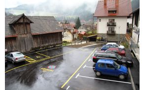 Novo urejeno parkirišče