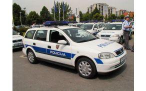 1_policijski_avto.jpg