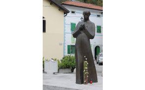 Praznik občine Kobarid je 15. oktober, rojstni dan pesnika Simona Gregorčiča.