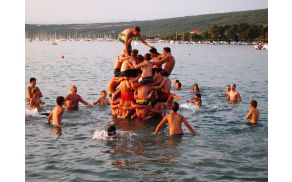 Igre v vodi
