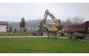 Potek priprave in izgradnje kanalizacije na Nebčevi ulici na Lavrici.