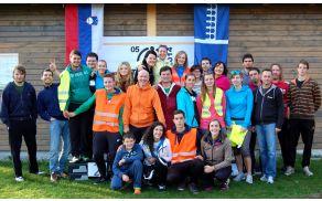 TVD Partizan Borovnica pokonci drži številčna ekipa prostovoljcev (Tek Barje 2014).
