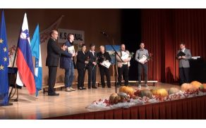 Prejemniki priznanj KS in njihovi zastopniki, foto:arhiv OŠ Kanal