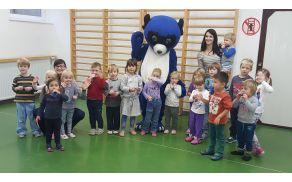 Skupinska slika z Modrim medvedkom