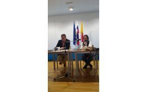 S pesnikom Miklavžem Komeljem je vodil pogovor dr. Oto Luthar