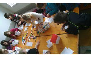 Otroci ob ustvarjanju
