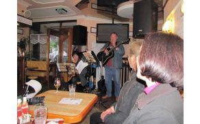 Kavarna Prešeren, 19. maj 2016, Trio D'Vaja