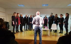 Program so s presmijo popestrili pevci Fajna banda pod vodstvom Davida Klodiča. Foto: Nataša Hvala Ivančič