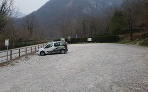 Na urejenem dostopnem mestu Zaročišče bo od 1. aprila do 31. oktobra treba plačati nadomestilo za parkiranje. Foto: Nataša Hvala Ivančič