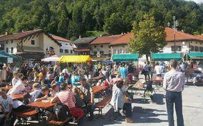 Kobariški sejem in Kobariški tek vsako leto privabi številne obiskovalce. Foto: Nataša Hvala Ivančič