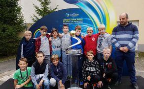 Lanskoletna ekipa U-11 v družbi podžupana in trenerja obenem. Foto: Nataša Hvala Ivančič