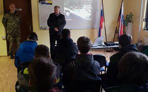 Udeležence letošnje predstavitve in predstavnike Slovenske vojske je pozdravil in s spodbudnimi besedami nagovoril župan Občine Kobarid Robert Kavčič.