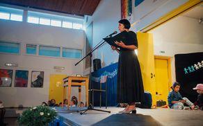 Uvodoma je zbrane pozdravila in nagovorila ravnateljica OŠ Kobarid Melita Jakelj.