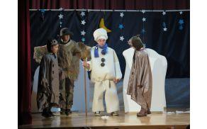 Nastop gledališke skupine iz Velikega Gabra, ki ima vsako leto zelo bogato sceno in kostume.