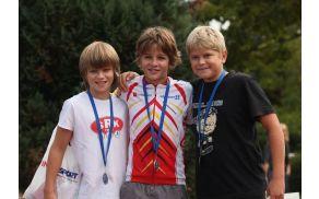 David (prvi z leve) drugi  v nastopih za Slovenski triatlonski pokal 2012