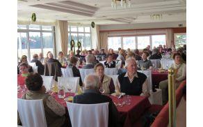 Delni zbor članov AI Šmartno v restavraciji na Aerodrumu v Mislinjski Dobravi