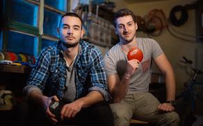 Skippy je produkt znanja Martina Hostnika in Gregorja Ferleža.