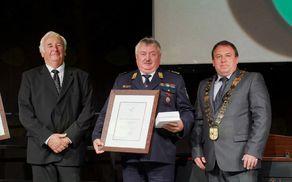 Franc Ravnak na podelitvi bronastega grba Občine Vojnik v letu 2017