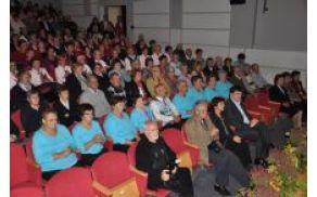 foto: http://www.grosuplje.si/kulturno-druabno-sreanje-drutev-upokojencev-obin-grosuplje-ivanna-gorica-in-dobrepolje-2013.html