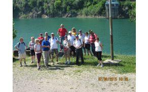 Udeleženci pohoda ob Jezeru Vogršček
