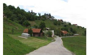 Občina Vojnik je pristopila k projektu sanacije plazu Bovše in obnovi lokalne ceste.