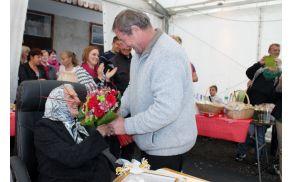 Slavljenki je vošči preddvorski župan Miran Zadnikar (foto Media butik)