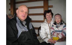 Predsednik KZGS Cvetko Zupančič  in direktorica KZ Stična Milena Vrhovec iz vnukinjo