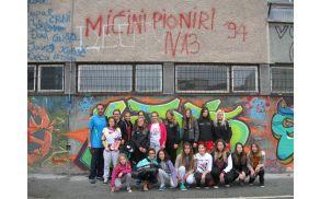 Pred Osnovno šolo v Smederevem