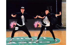 2_plesalci.jpg