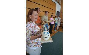 Petmetrska rolada v obliki gosenice je razveselila predvsem najmlajše (fotografija: Svet staršev).