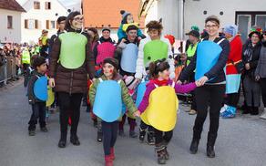 Otroci Vrtca Mavrica Šmartno v Rožni dolini in učenci POŠ kot male in velike bibe