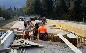 Gradnja novega mostu čez potok Bolska