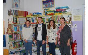 Uvrščeni na državno tekmovanje od leve proti desni: Maja Filač, Beno Učakar, Eva Marovt (manjka Marcel Semprimožnik) z mentorico Magdo Oblak.