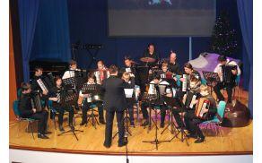 Harmonikarski orkester, novoletni koncert Radeče