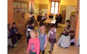 Otroci so bili veseli obiska.