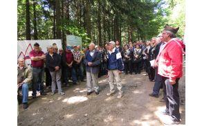 Govori še živečih borcev - ranjencev: Timošek Lenart (sedi), Rudi Brilej in Ivan Jovan