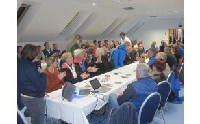 Gostje  srečanja  v pogovoru z vodstvom OVO MDO