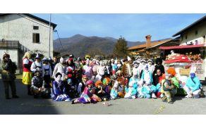 V Gorenjih Desklah so se zbrale najrazličnejše maske. Foto: Veronika Kravos