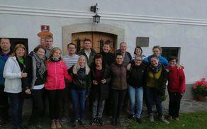 Člani Mešanega pevskega zbora  Dvor ob Krki