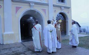 Blagoslov del na cerkvi v Štangi
