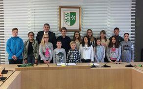 Otroški občinski svetniki z g. Leskovarjem, županom Občine Kidričevo