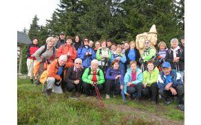Skupinska fotografija na vrhu Košenjaka