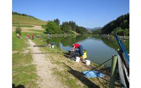 Brdinje - Območno tekmovanje v lovu rib s plovcem