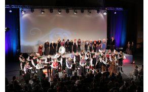 Marija,dame in gostje s Pihalnim orkestrom Tržič