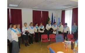 V okviru DU Preddvor deluje tudi Ženski pevski zbor Josipine Turnograjske (foto Media butik)