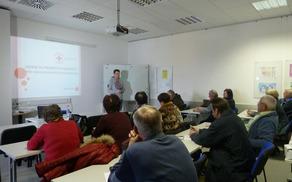 Udeleženci so aktivno sodelovali na predavanjih, spraševali in komentirali.