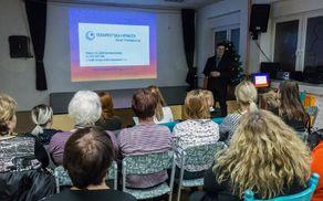 Predavanje o terapevtski hipnozi. Foto: Janez Janko Platiše.